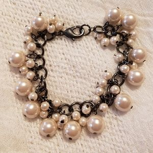 Faux Pearl Dangle Bracelet